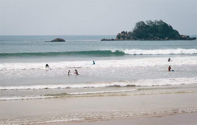 Sri Lanka, Surf Camp
